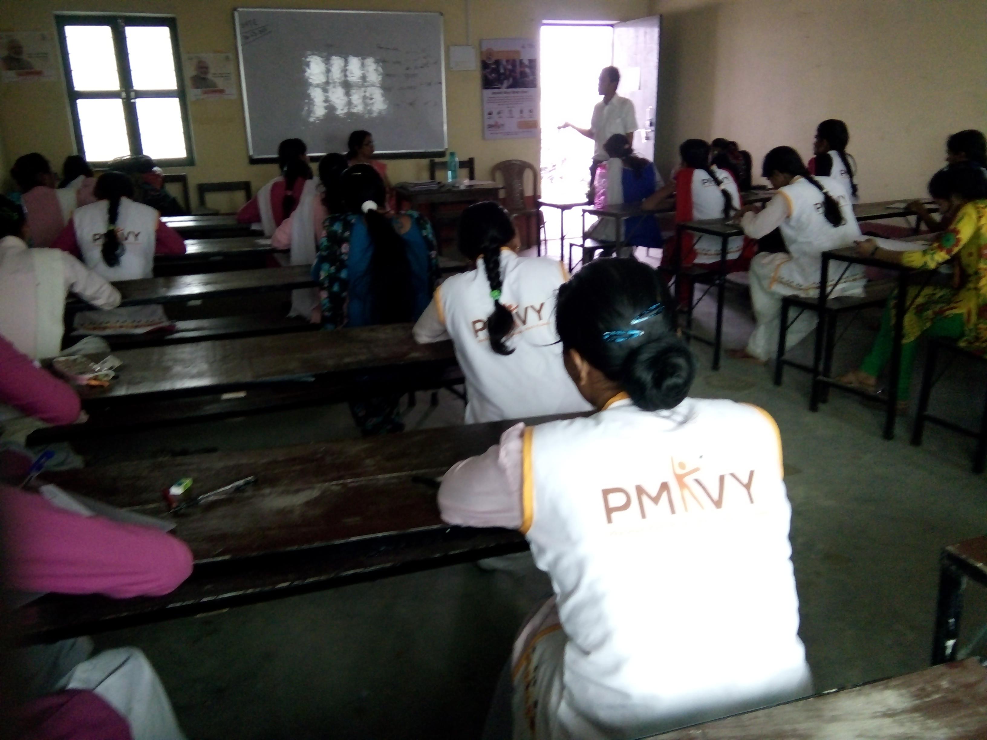 PMKVY Training at Sunaina Samriddhi Foundation Centre at Maharajganj, Uttar Pradesh
